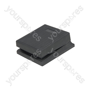 Non-latching pedal switch
